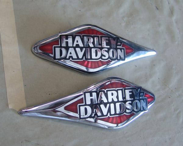 Harley Davidson Emblem: Harley-Davidson Tank Emblems / Medallions FOR SALE