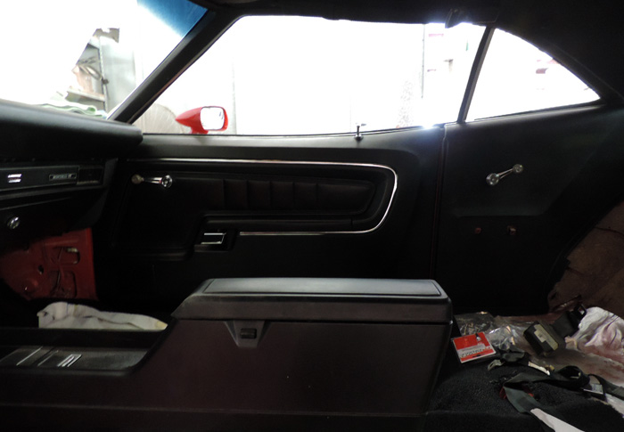 26 right door and console